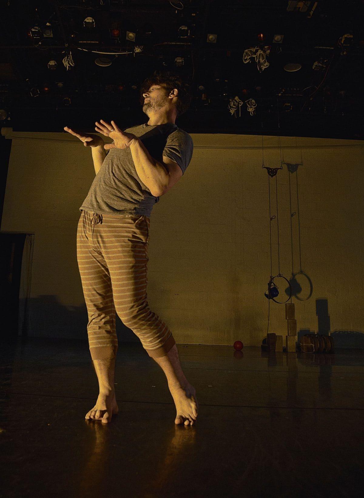 body language/ language of dance photo via @isitmodern